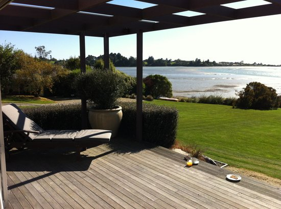 Bronte Country Estate: Breakfast on the deck of Te Koi, bliss!!