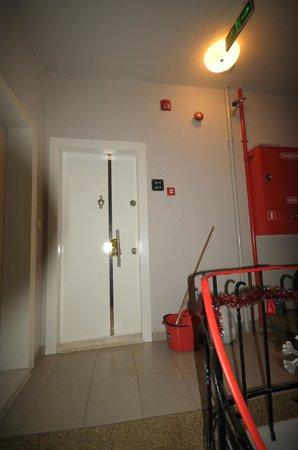 Taksim Premium Residence : LIVING ROOM