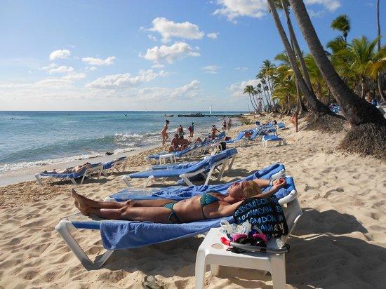 Catalonia Gran Dominicus: Ecco la spiaggia,strettina