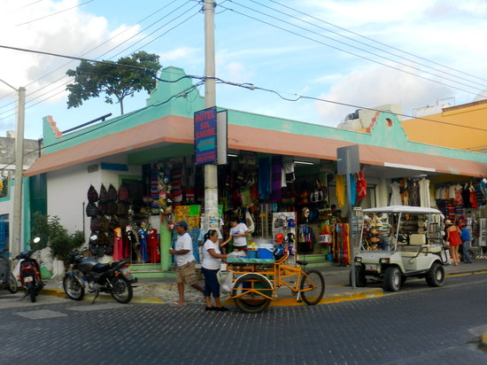 El Centro: more shops