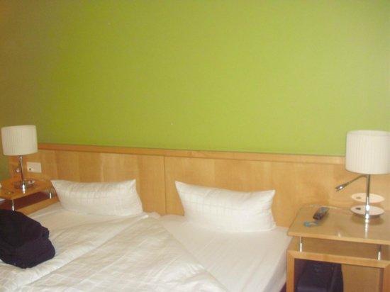 Upstalsboom Hotel Friedrichshain: Detalle de la habitación