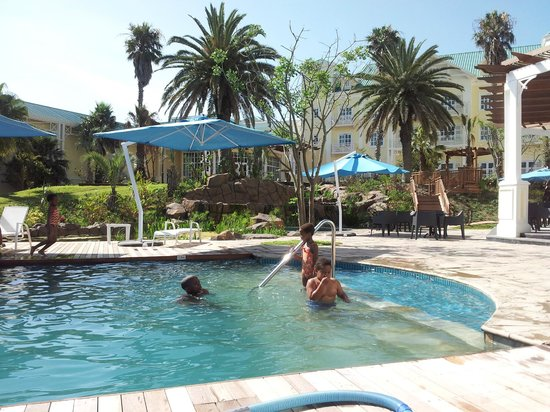 Southern Sun Hemingways: kidds swimming