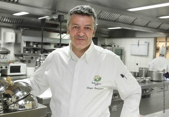 Hostellerie La Cheneaudiere - Relais & Chateaux: Le chef de cuisine Roger Bouhassoun