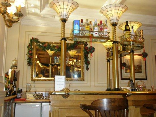 BEST WESTERN Carlos V: Бар отеля 