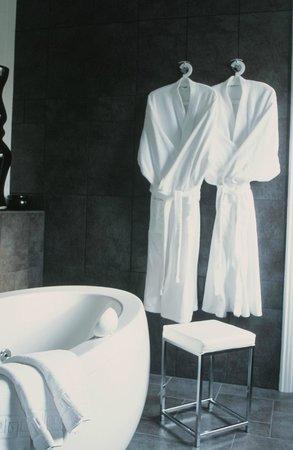 أوستيليري لا تشينودير آند سبا: Salle de bain