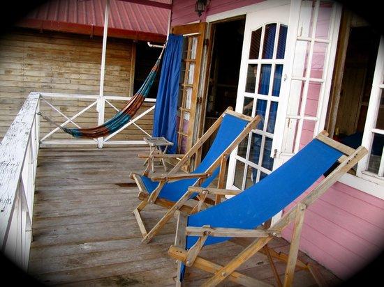 Bahia Del Sol: la casa rosada private deck