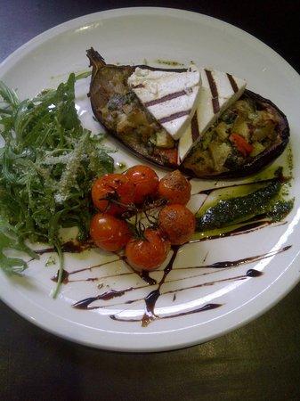 Salumeria Cafe & Deli Shop: Aubergine & Smoked ricotta