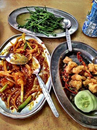 Kedai Kopi Fatt Kee: Salted prawns, Sweet & Sour Fish, Sabah Vegetables