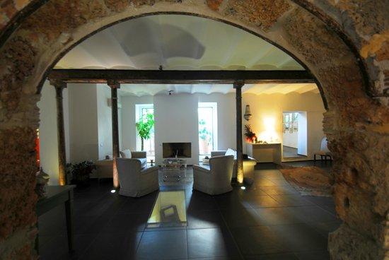 Il Giardino di Ballaro: The fireplace