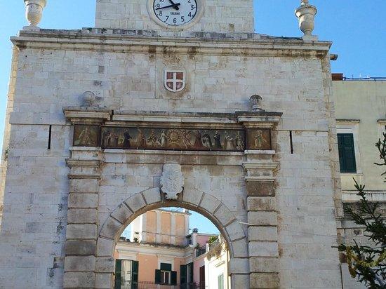 Particolarit Della Porta Baresana Foto Di Torrione