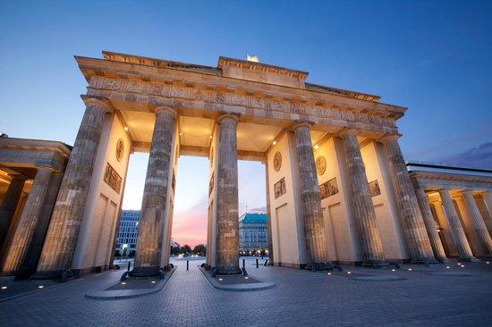 Brandenburg Gate Hotel Adlon Kempinski