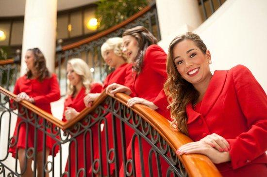 Hotel Adlon Kempinski: Ladies in Red