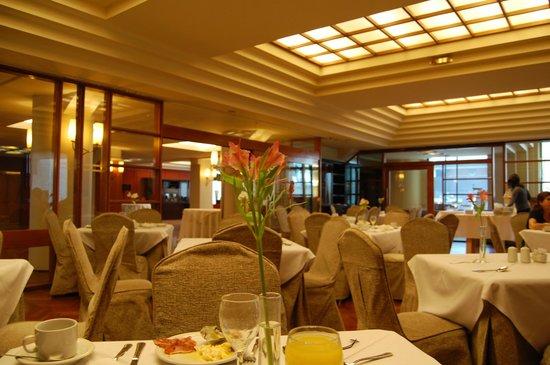 Panamericano Bariloche : Comedor en el desayuno