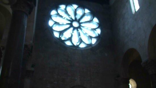 Cattedrale di Troia: Luce traslucida