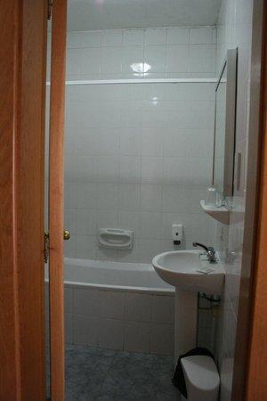 Canifor Hotel: Una parte del bagno