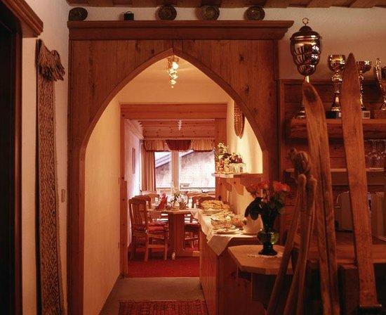 Hotel Garni Ernst Falch: Frühstücksbuffet
