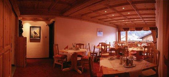 Hotel Garni Ernst Falch: Frühstücksraum