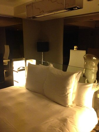 SLS Hotel, A Luxury Collection Hotel, Beverly Hills: Bedroom