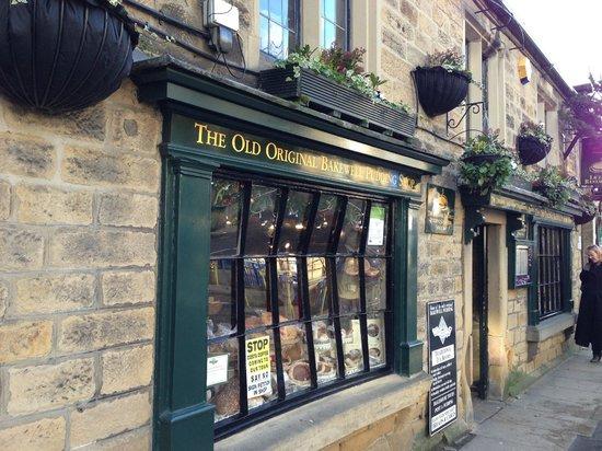 Original Bakewell Pudding Shop: Outside the shop