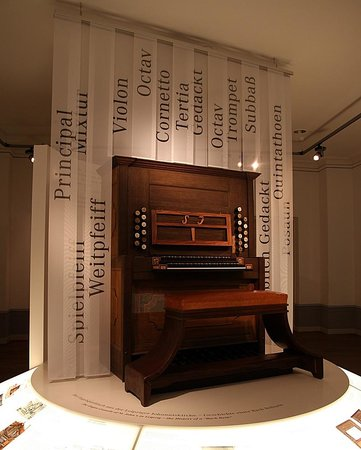 Bach-Museum: An organ that Bach used