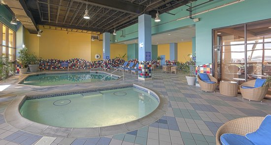 Beach Quarters Resort: Oceanfront Indoor Pool