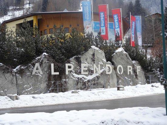 Hotel Oberforsthof: Alpendorf sign