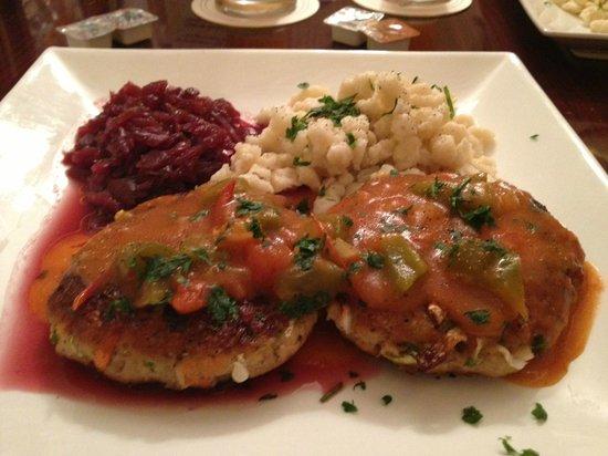 Schnitzel Kitchen: fantastic vegetarian schnitzel with red sauce! Fantastic!!!