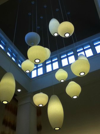 Hilton Garden Inn Cleveland/Twinsburg: The beautiful lights in the ceiling