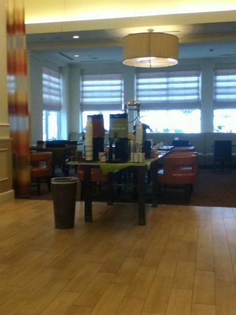 Hilton Garden Inn Cleveland/Twinsburg: The coffee, tea and water always available