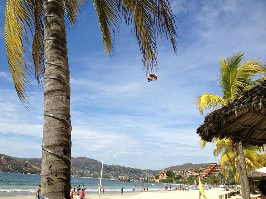 Viceroy Zihuatanejo: View from the lounge chairs