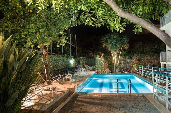 Hotel Club Sorrento: piscina