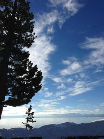 Mourelatos Lakeshore Resort: Winter view of the sky