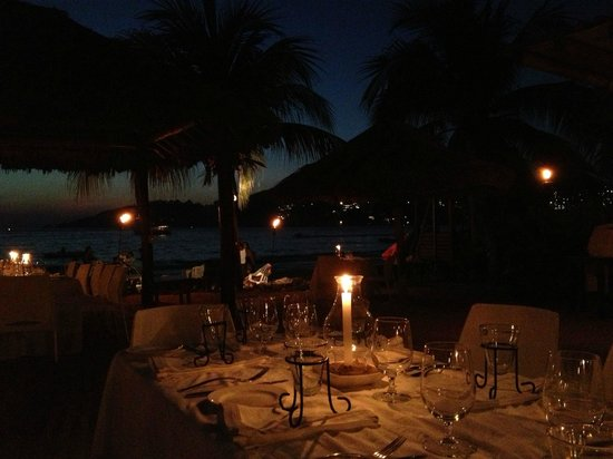 Viceroy Zihuatanejo: La Marea at night