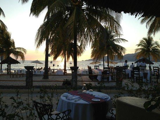Viceroy Zihuatanejo: La Villa restaurant