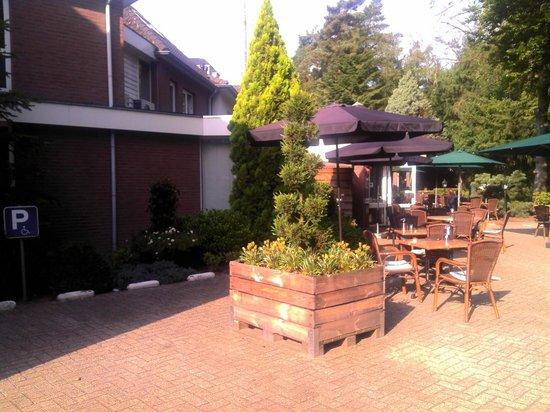 Hampshire Boshotel Vlodrop: Coin terrasse coté bar et restauration