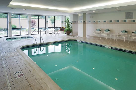 Courtyard Bristol: Indoor Swimming Pool