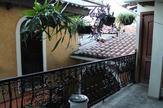 Hotel Villa Florencia Centro: Interior court