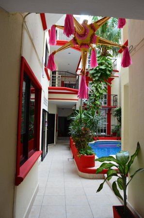 Hotel Maya Turquesa: Recepción. Vista al interior del hotel.