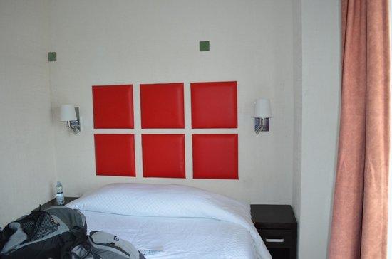 Hotel Maya Turquesa: Cama para dos.