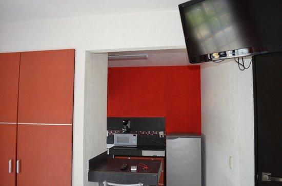Hotel Maya Turquesa : Vista enfocándose en la tele.