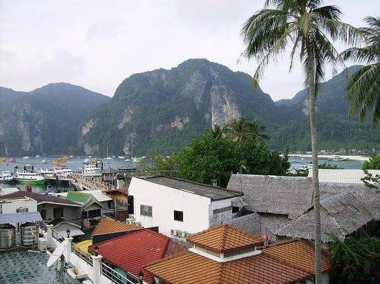 Phi Phi Hotel: Utsikt från rummet