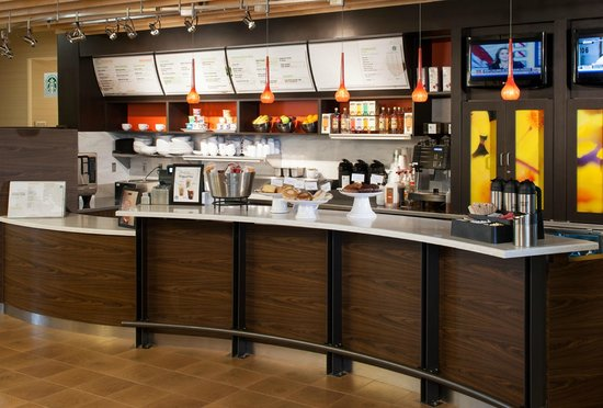 Courtyard Houston NASA/Clear Lake: The Bistro, Starbucks, and Full Bar