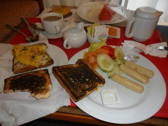 Copthorne Orchid Hotel Penang: my room service breakfast with BURNT TOAST