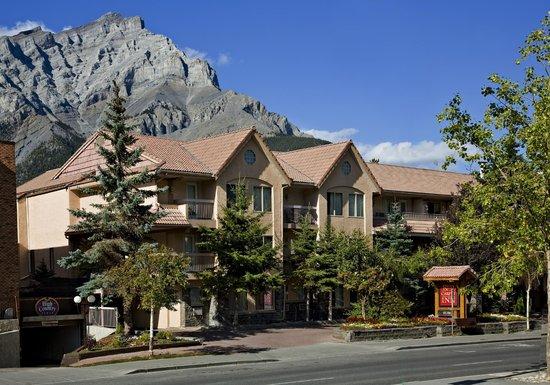 Foto De Red Carpet Inn Banff King Jacuzzi Fire Place