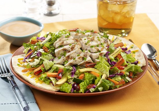 Tony Romas: Chicken and fire roasted vegetable salad