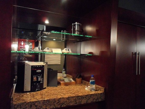 Shade Hotel: Room includes your own coffee machine