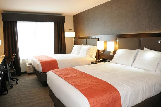 Holiday Inn Express Hotel & Suites Bonnyville: Two Queen Bed Room