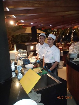 Havana Bar (at Holiday Inn Pattaya): great food cooked by chefs