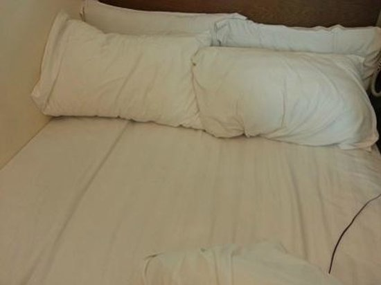 Harbour Hotel: I am not sure this bed is also for 2 peoples or not. But the 2 mattresses made the tiny bed wors