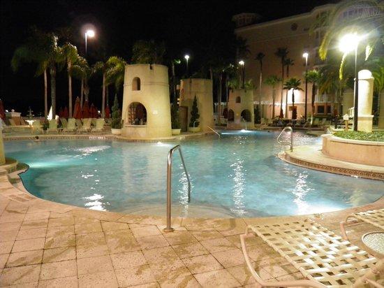 Marriott's Grande Vista: lots of pools